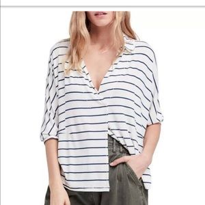We The Free Tops - We the Free Split front Top - XS White /blue